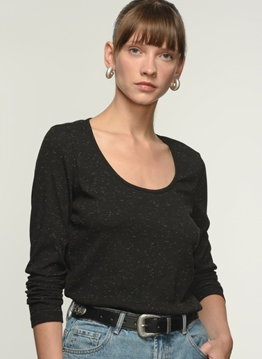 NGSTYLE Ngkaw21Bl0004 Uzun Kollu Bluz Siyah